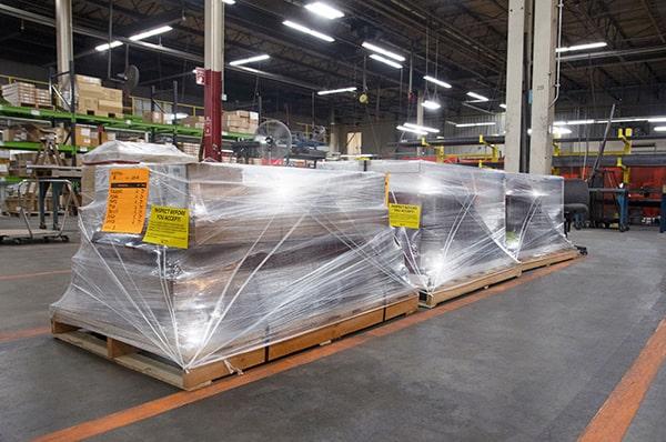 shipping packaging workbench